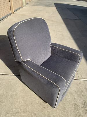 Swiveling Recliner! for Sale in Roseville, CA