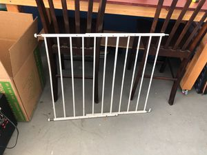 KidCo Swinging Baby Gate for Sale in Escondido, CA