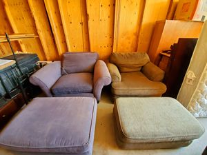 Jumbo comfy chairs with ottoman for Sale in Fresno, CA
