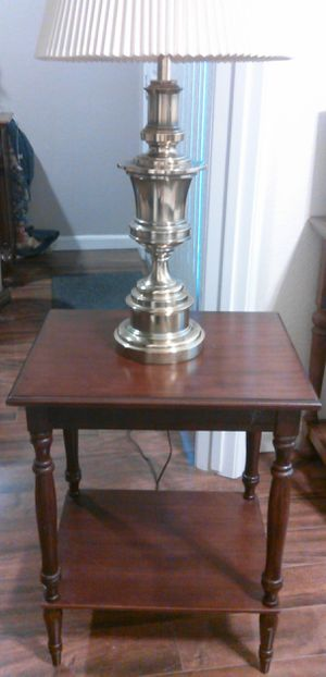 Table and Lamp for Sale in Desert Hot Springs, CA