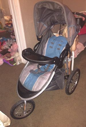 Baby Trend jogging Stroller for Sale in Cleveland, OH
