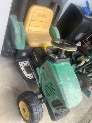 Kids John Deere tractor NONE WORKING . No battery for Sale in Lakeland, FL