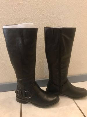 Pre Owned Steve Madden Black Boots - Size 7 1/2 (OBO!!!) for Sale in Dallas, TX