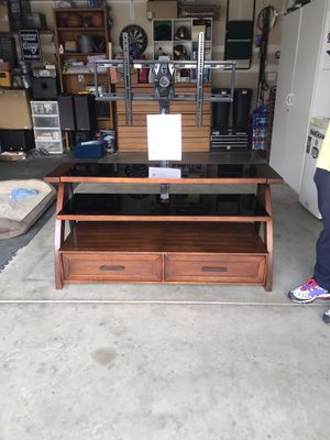 Axxon 3 in 1 tv stand for Sale in Fresno, CA