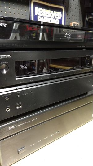 Onkyo 7.2 Surround Receiver Niles Stereo Amp and Sony Blu-Ray for Sale in Henderson, NV