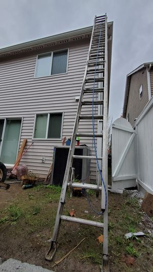 44ft Extension Ladder for Sale in Bothell, WA