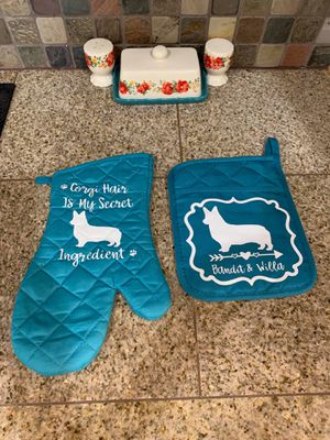 Dog oven mittens and pot holders for Sale in Converse, TX