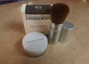 Rodan and Fields (Medium) Mineral Peptides with Brush for Sale in Gilbert, AZ