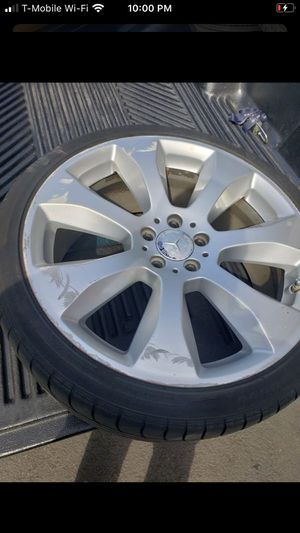 20inch Mercades rims GOOD TIRES for Sale in Kent, WA