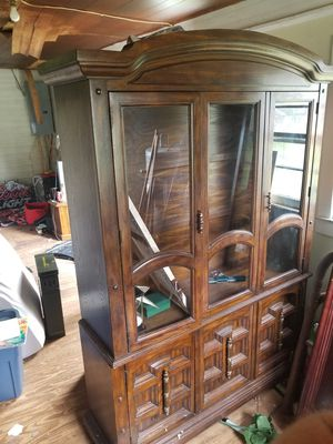 Beautiful Antique China Cabinet for Sale in Simpsonville, SC