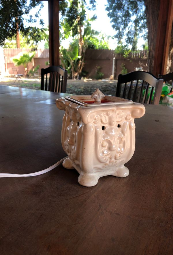 Scentsy candle warmer