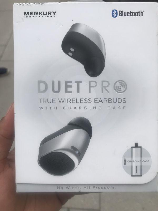 Wireless ear buds brand new