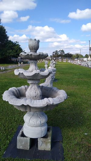 Solid Concrete Water Fountain for Sale in Lake Wales, FL