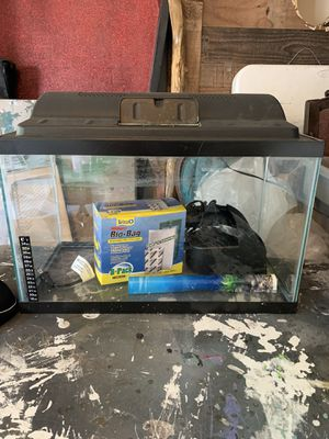 10 gallon glass tank for Sale in Sugar Land, TX