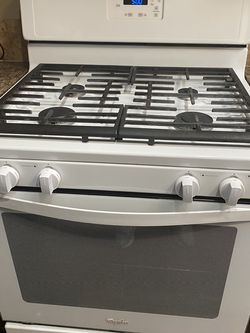 Whirlpool White Stove for Sale in Claremont,  CA