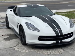 2014 chevy Corvette clean title, leather seats, all power for Sale in Miami, FL