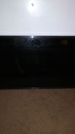 29 inch Samsung Smart T.V with Wall Mount for Sale in Moreno Valley, CA