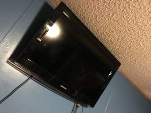 Flat screen with wall mount for Sale in Elgin, SC