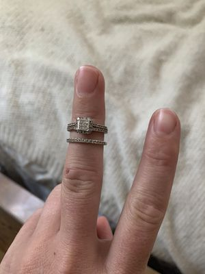 Engagement ring and wedding band for Sale in Farmington, CT