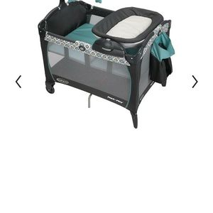LIKE NEW Graco Convertible Pack n Play with Reversible Bassinet/Changing Table for Sale in Chatsworth, CA