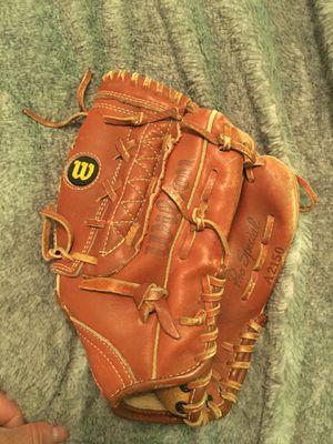 Wilson kids baseball glove 11.5 inches for Sale in Newark, CA
