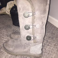 Uggs boots size 8 for Sale in Atlanta,  GA