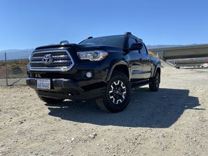 Toyota Tacoma 2017 for Sale in Fontana, CA