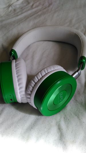 BLUETOOTH WIRELESS HEADPHONES GOOD SOUND for Sale in Valley Center, CA