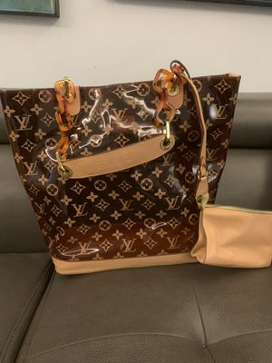 Original Louis Vuitton woman hand bag - negotiable for Sale in Hialeah, FL