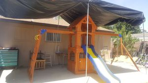 Back yard discovery swing set for Sale in North Las Vegas, NV