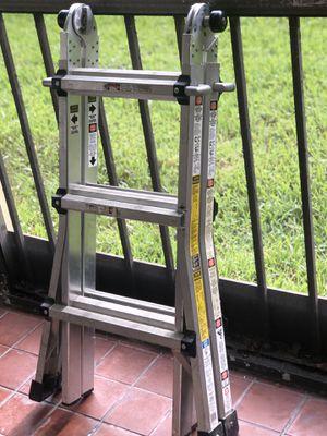 Gorilla Ladders 13ft. Reach . Aluminum for Sale in Fort Lauderdale, FL