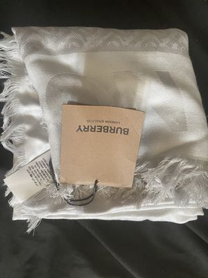 Burberry Scarf for Sale in Bellevue, WA