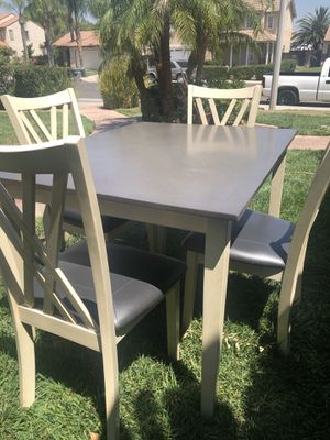 Table and Chairs for Sale in Perris, CA