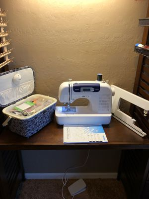 Brother CS-6000I Sewing machine, accessories, and case for Sale in Sun Lakes, AZ