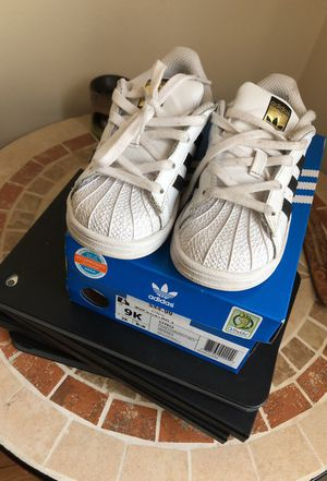 toddler Addidas 9c for Sale in Springfield, MA