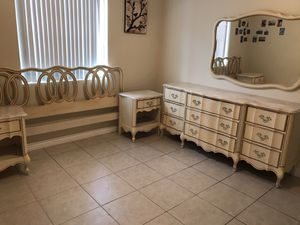 Vintage king bedroom set for Sale in Rancho Cucamonga, CA