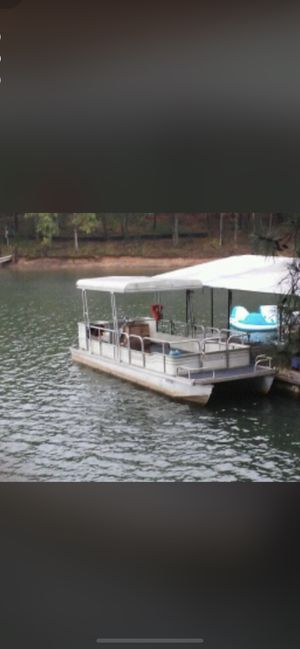 Pontoon with perfect Johnson 40hp for Sale in Flowery Branch, GA