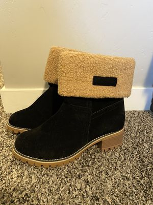 New Black boots with cozy lining for Sale in Orem, UT