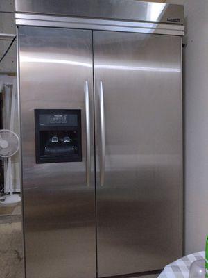 Refrigerator Kitchen Aid 48 x 84 for Sale in Miami Gardens, FL