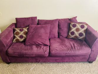 Purple Used Couch 2 Throw Pillows for Sale in Nashville,  TN