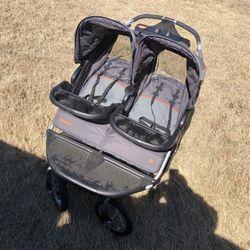 Navigator Twin Baby Stroller for Sale in Wichita,  KS
