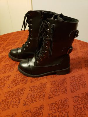 Boots women size 5 for Sale in Thornton, CO