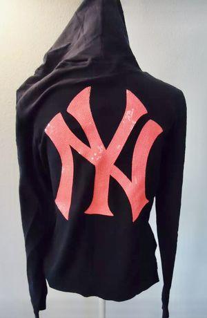 New Victoria secret mlb Yankees medium for Sale in Los Angeles, CA
