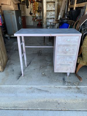Desk for Sale in Goddard, KS