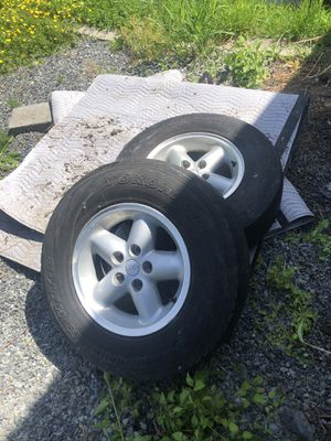 2 Jeep wheels in perfect shape (tires are junk) for Sale in Arlington, WA
