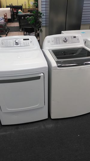 Kenmore elite washer and dryer set glass top for Sale in Burlington, NC