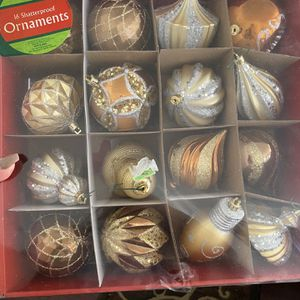Box Of High Quality Elegant Christmas Ornaments And Glass Pine Cone for Sale in Huntington Park, CA
