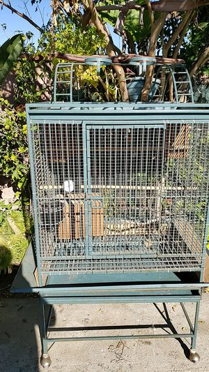 CAL CAGE brand bird/ parrot cage for Sale in Pomona, CA