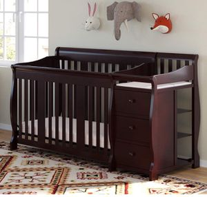 Storkcraft portafino convertible crib with changing table for Sale in Davie, FL