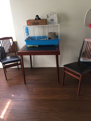 Table and chairs set for Sale in St. Louis, MO